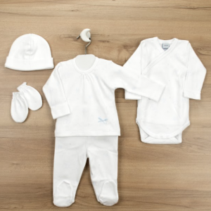 White five-piece babygrow set for newborn boys and girls by Babidu, made from soft cotton jersey with an all-over grey star and bear print. This lovely layette set includes a two-piece babygrow, a bodyvest, a hat and mittens. Product number 413570 100% cotton jersey (soft & stretchy) Machine wash (40*C) Popper fastenings on babysuits Suitable for boys & girls 5 piece set Made in Europe