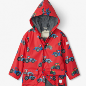 Why wish the rain away when you can just go out and play? The perfect attire for any rainy day outing, this raincoat is fully lined, PVC-