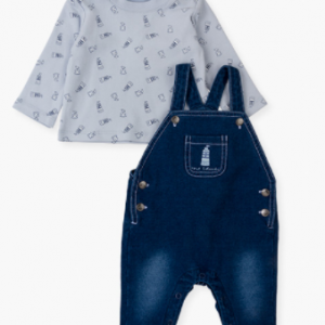 Dungaree & t-shirt set for new born boy. This set includes an interlock t-shirt in sky blue with printed animals and lighthouses. Popper opening at the shoulder. French terry dungaree in faux-denim with a breast pocket with print. Rib-knit cuffs. Popper opening at the crotch. Press stud opening at the straps. Side fastening with press studs. Includes pockets at the back.
