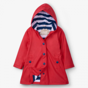 A more sophisticated take on our raincoats, this classic red and navy splash jacket will brighten up even the cloudiest of days. Match with the rest of the collection for never-ending adventures, rain or shine