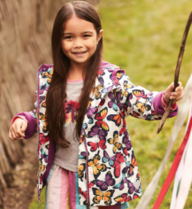 Whatever the weather, our microfiber rain jackets will make it better! Featuring vibrant colours, a playful print and crafted from soft, breathable microfiber, they'll (almost) wish for rain everyday.